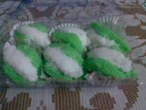kue-ijo-kelapa